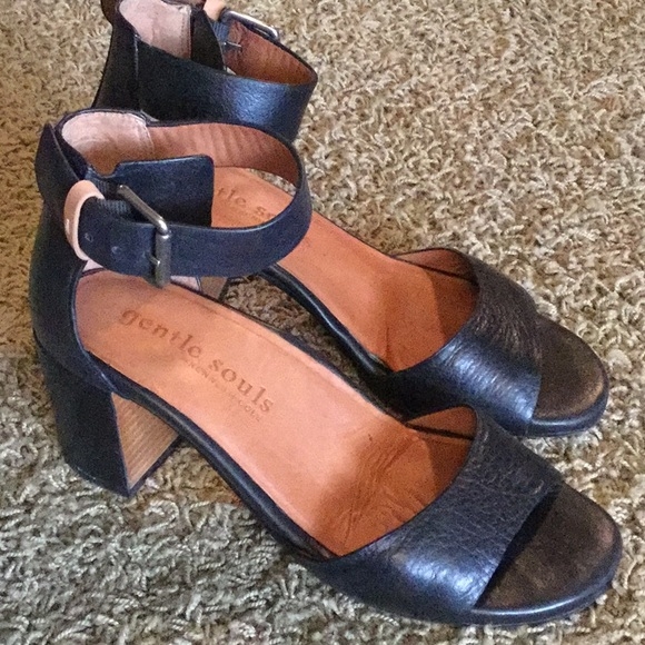 cfe29ae7119 gentle souls Shoes - Gentle Souls Christa Leather Ankle Sandal sz 7